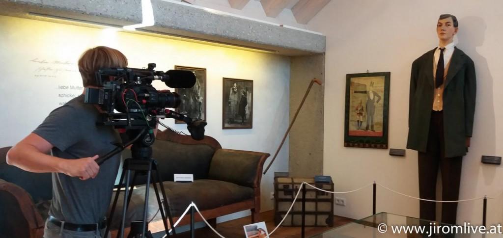 Riese von Lengau: Dreh im Riesenmuseum - Ausstellungsstücke